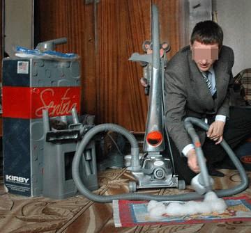 Чудо-пылесосы чистят не только ковры и стены, но и карманы доверчивых покупателей. Фото Владимир ЛАВРОВ